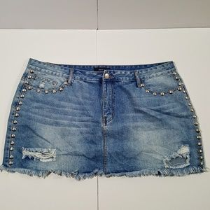 NWOT Forever21Plus Jean Skirt Size 20 Distressed